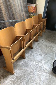 houten bioscoopstoelen