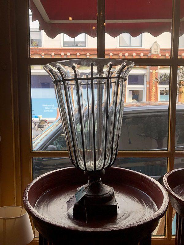 Handgemaakte vazen van glas met ijzer 1