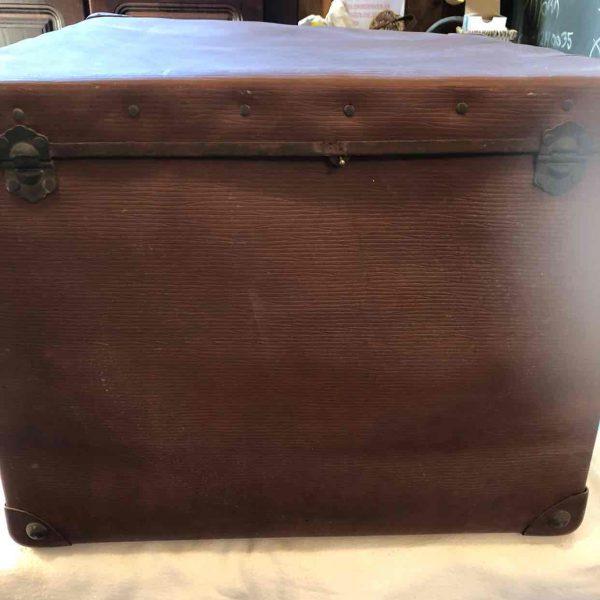 Brocante vierkante koffer 2 1