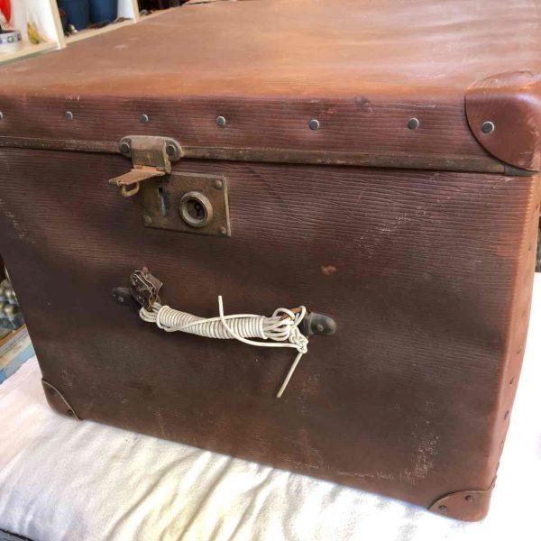 Brocante vierkante koffer 4