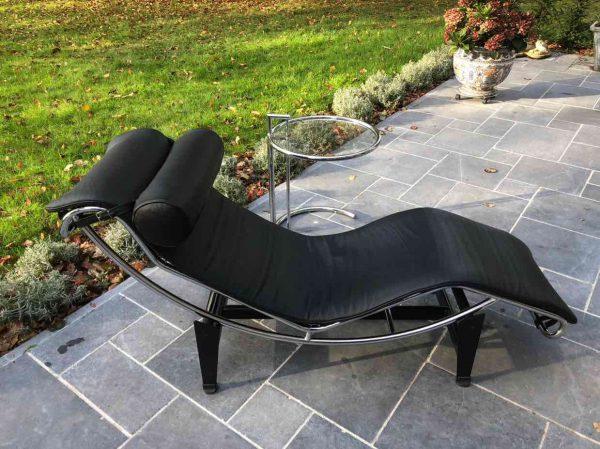Le Corbusier Chaise Longue stoel zijaanzicht
