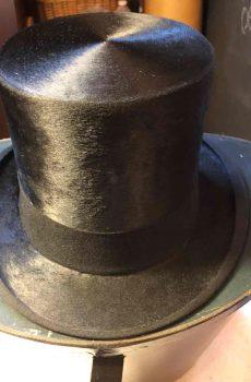 Hoge hoed van mollenvel in originele doos 1